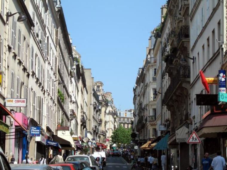 Rue des martyrs tout le charme de paris for Le miroir rue des martyrs