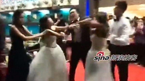 Catfight between bride and husband's pregnant mistress at wedding